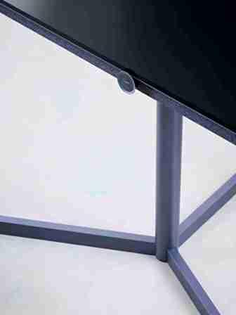 lieblingshersteller loewe lieblingsger t bild 7 niemann tv. Black Bedroom Furniture Sets. Home Design Ideas